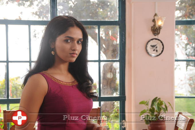 Sunaina - Kavalai Vendam Movie New Gallery | Picture 1410845