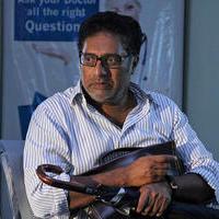 Prakash Raj - Sila Samayangalil Movie Working Photos