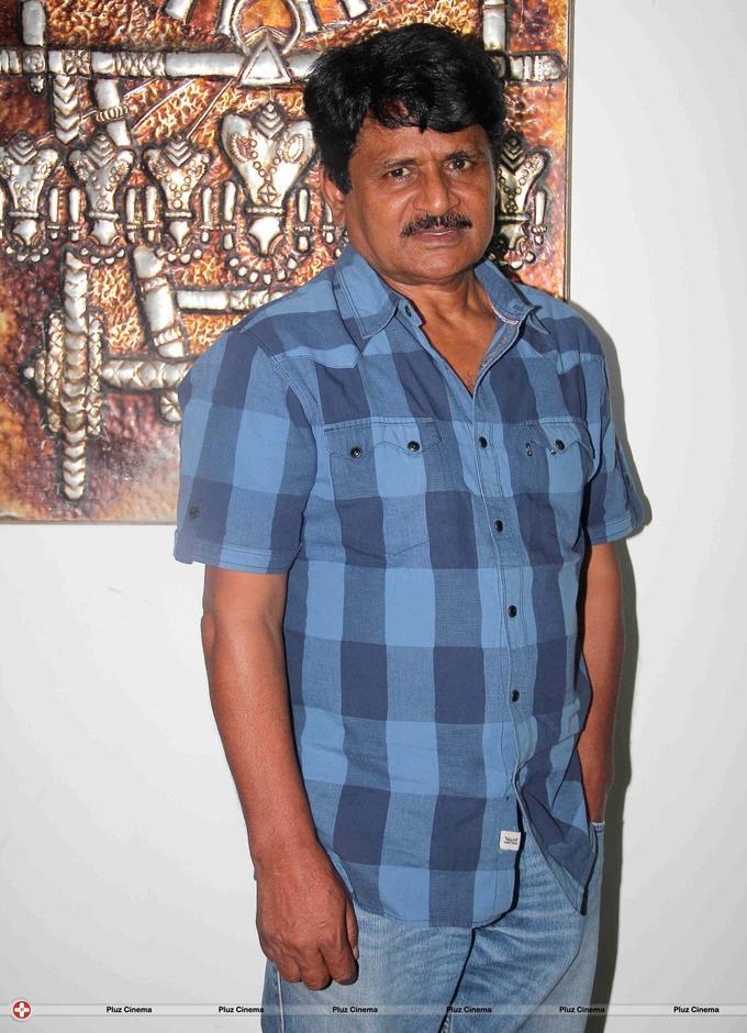 Raghubir Yadav - On location shoot of film Meinu Ek Ladki Chaahiye Photos | Picture 580704