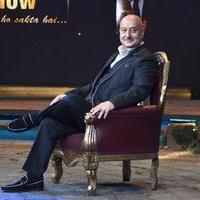 Anupam Kher - SRK on the sets of Anupam Kher Show Photos