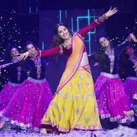 Madhuri Dixit - Slam Finale In London, Team Happy New Year with Madhuri Dixit Photos