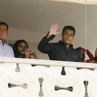 Salman Khan celebrates Ramzan Eid and film Bajrangi Bhaijaan success photos