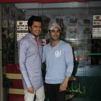 Riteish Deshmukh & Pulkit launch Bangistan's food joint Fc Donalds Photos   Picture 1078172