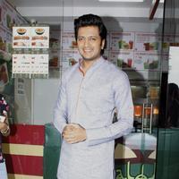 Ritesh Deshmukh - Riteish Deshmukh & Pulkit launch Bangistan's food joint Fc Donalds Photos   Picture 1078173