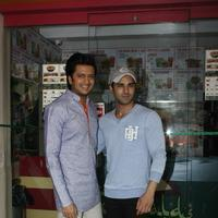 Riteish Deshmukh & Pulkit launch Bangistan's food joint Fc Donalds Photos   Picture 1078180
