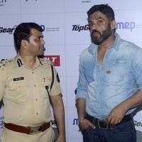 Sunil Shetty spreads awareness on using helmet photos | Picture 1078163