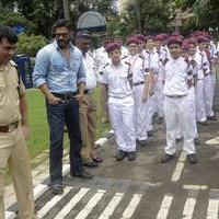 Sunil Shetty spreads awareness on using helmet photos | Picture 1078164