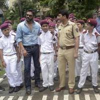 Sunil Shetty spreads awareness on using helmet photos | Picture 1078166
