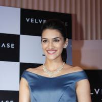 Kriti Sanon launches velvet case.com photos | Picture 1078474