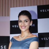 Kriti Sanon launches velvet case.com photos | Picture 1078483