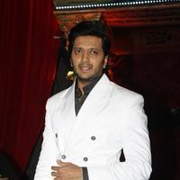 Ritesh Deshmukh - Film Bangistan Promotion On The Set Of Jhalak Reloaded With Judges Photos