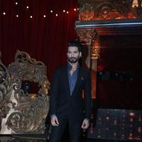 Shahid Kapoor - Film Bangistan Promotion On The Set Of Jhalak Reloaded With Judges Photos