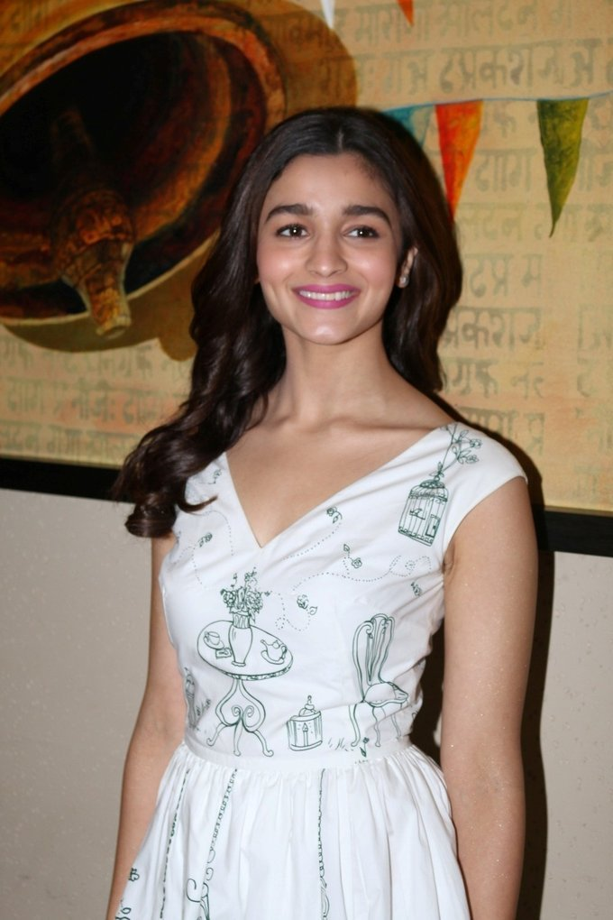 Alia Bhatt - Press conference of Singapore Tourism Board and promotion of film Dear Zindagi Photos | Picture 1439108