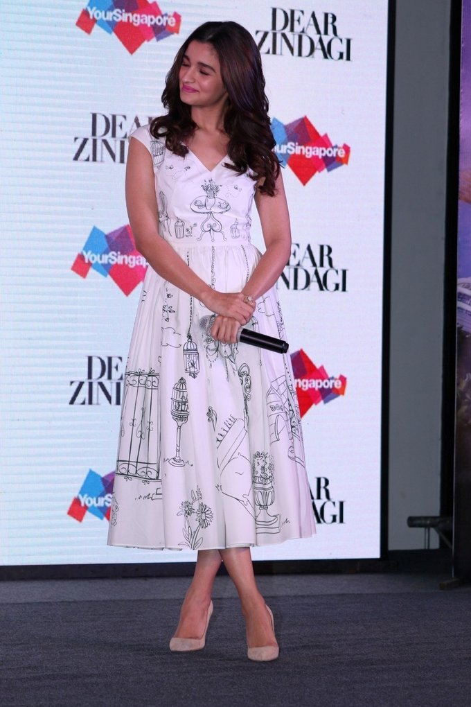Alia Bhatt - Press conference of Singapore Tourism Board and promotion of film Dear Zindagi Photos   Picture 1439113
