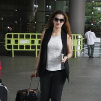 Actress Raai Laxmi spotted at International airport photos | Picture 1078449