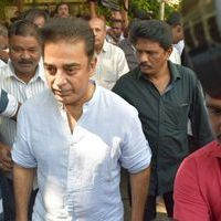 Kamal Hassan - Kollywood Stars pays last respect to Balamuralikrishna Photos