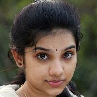 Dhiya Nayar - Theriyum Aana Theriyathu Movie Stills   Picture 1440773