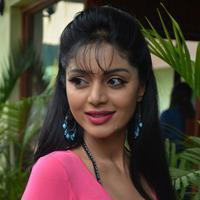 Sanam Shetty - Kalai Vendhan Movie Team Interview Stills