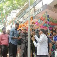 Vishal Hosts National Flag For Independents day At Shenoy Nagar Stills