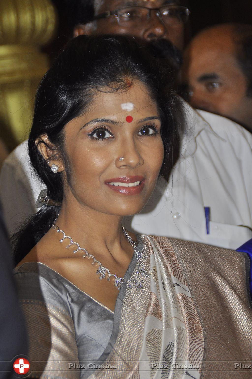 Anuradha Sriram - Joyalukkas Platinum Collection Launch Photos | Picture 930714