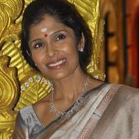 Anuradha Sriram - Joyalukkas Platinum Collection Launch Photos