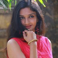 Swastika - Aayirathil Iruvar Movie Team Interview Photos | Picture 939548