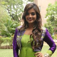Ashna Zaveri - Inimey Ippadithaan Movie Press Meet Stills