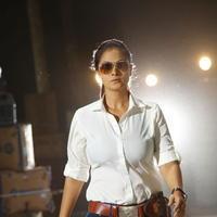 Simran Bagga - Karaiooram Movie Stills