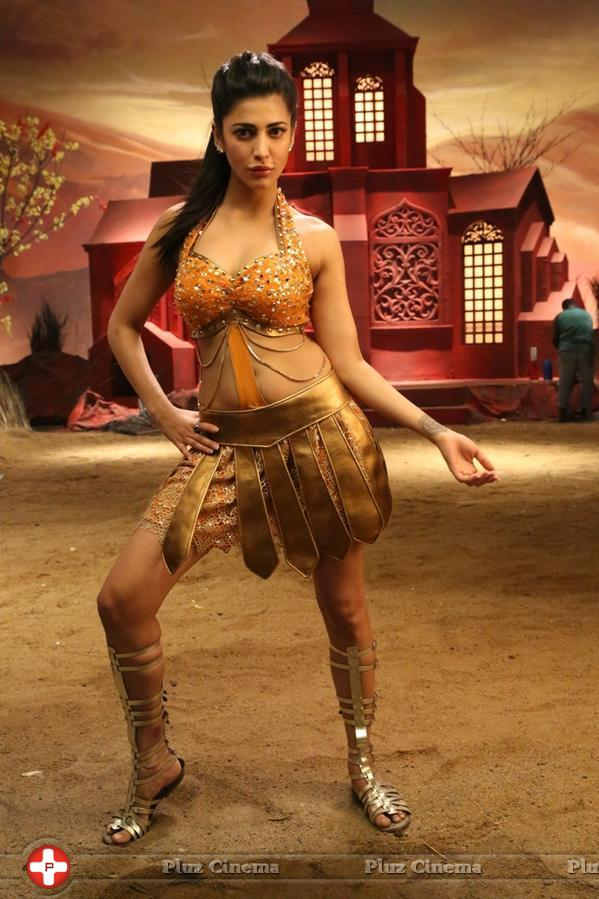 Shruti Haasan @ Shruti Haasan in Poojai Movie Stills