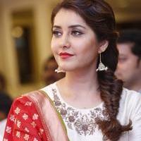 Raashi Khanna - Santosham Awards Curtain Raiser Press Meet Stills | Picture 1086201