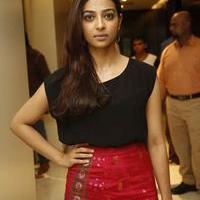 Radhika Apte at Manjhi Movie Press Meet Photos | Picture 1092932