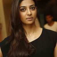 Radhika Apte at Manjhi Movie Press Meet Photos | Picture 1092939