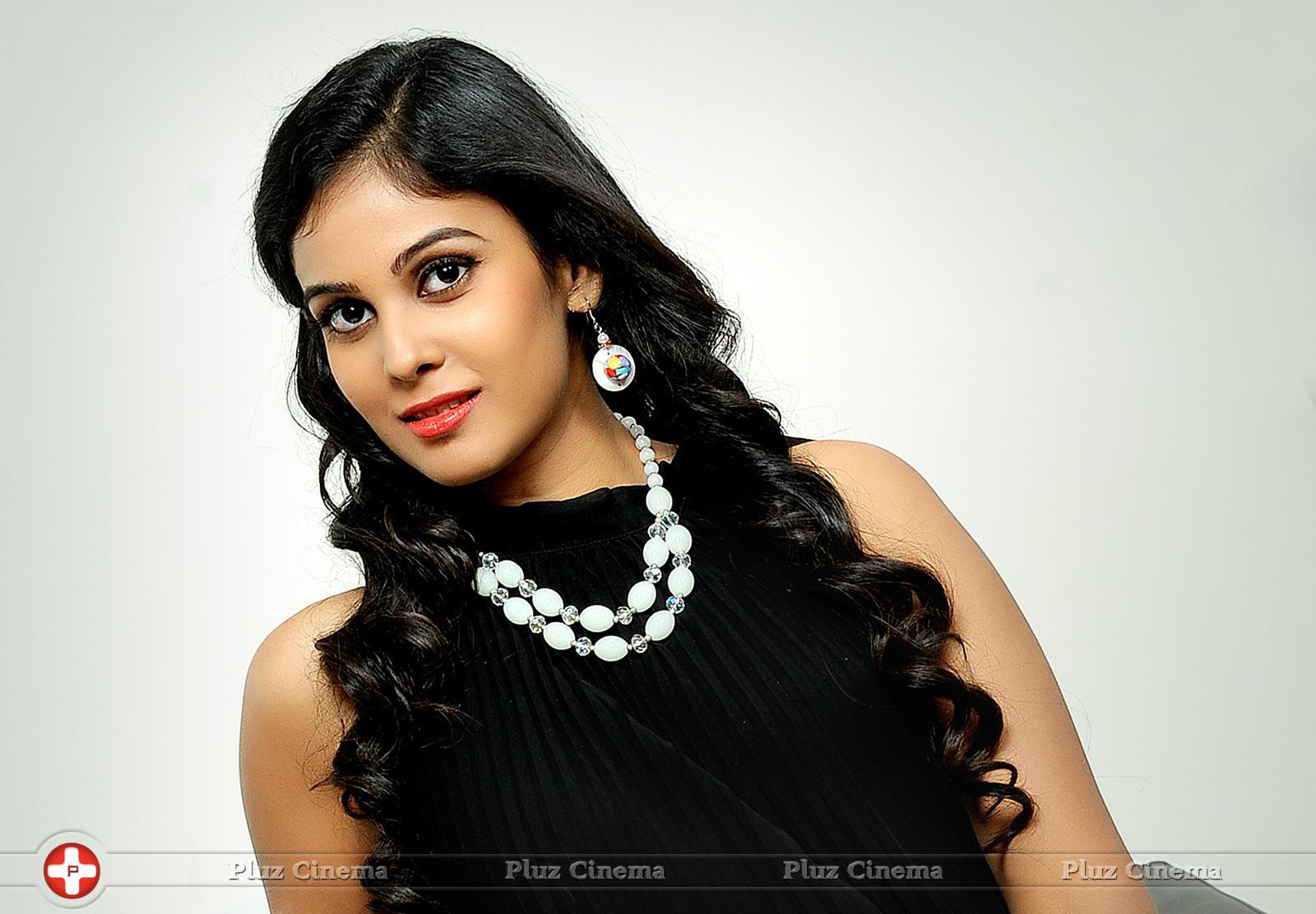 Chandini Tamilarasan - Chitram Bhalare Vichitram Movie Stills | Picture 1093416