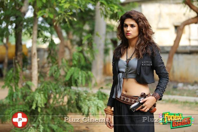 Shraddha Das Hot in Guntur Talkies Movie Gallery | Picture 1093740