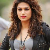 Shraddha Das Hot in Guntur Talkies Movie Gallery | Picture 1093743