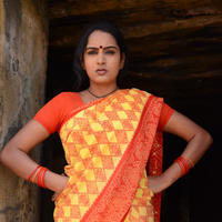 Himaja - Vetakodavallu Movie Working Stills