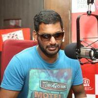 Vishal Krishna - Maga Maharaju Team at Red FM Photos | Picture 929156