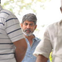Jagapathi Babu - Celebs Pays Condolences to VB Rajendra Prasad Photos | Picture 933788