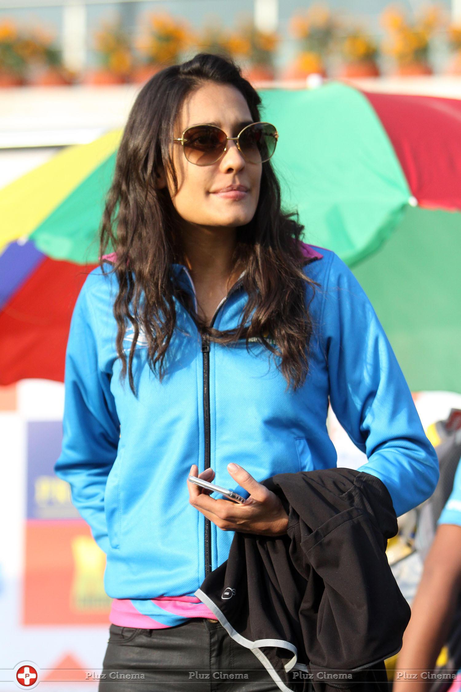 Lisa Haydon - CCL 5 Mumbai Heroes Vs Kerala Strikers Match Photos | Picture 937704