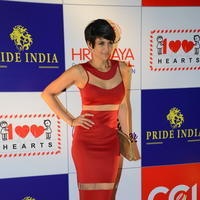 Mandira Bedi - Celebs at 100 Hearts Red Carpet by CCL Stills | Picture 951457