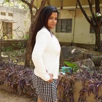 Sandhya (Telugu) - Kalaakadhanbam Talent Show at Nature Cure Photos | Picture 952339