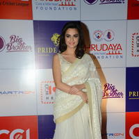 Kriti Kharbanda at 100 Hearts Red Carpet by CCL Photos | Picture 951225
