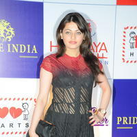 Sneha Ullal at 100 Hearts Red Carpet by CCL Photos | Picture 951122