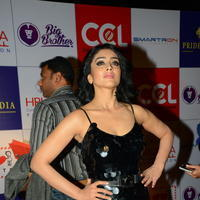 Shriya Saran at 100 Hearts Red Carpet by CCL Photos | Picture 951345