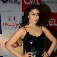Shriya Saran at 100 Hearts Red Carpet by CCL Photos | Picture 951346