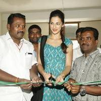 Shilpa Reddy at Pochampally IKAT Art Mela Photos | Picture 1079110