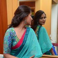 Madhu Shalini in Saree Photos   Picture 1082361