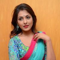 Madhu Shalini in Saree Photos   Picture 1082364