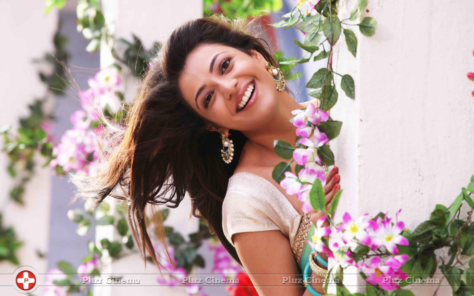 Kajal Aggarwal Jilla Movie Stills Photos Images Hd