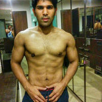 Allu Sirish Six Pack Photos